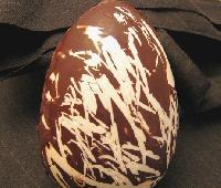 huevo de chocolate marmolado