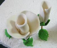 Cómo hacer rosas con masa de modelaje paso a paso