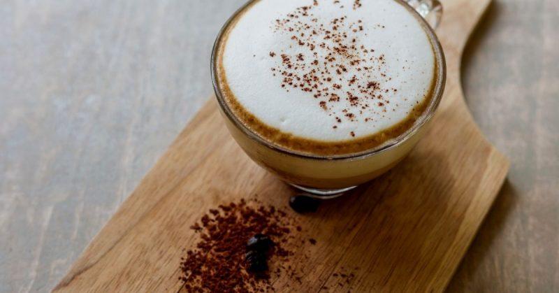 cafe con leche y espuma